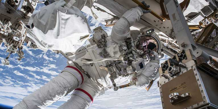 Space Walk - Foto: NASA